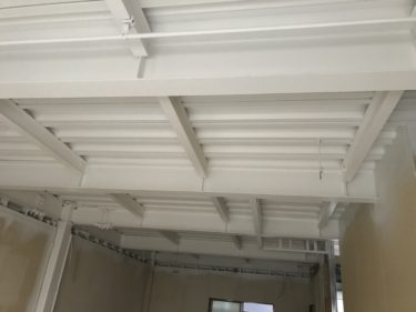 撮影スタジオ天井塗装